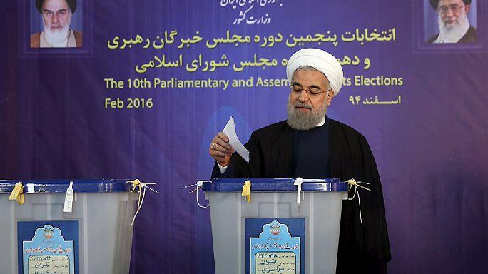 İran'da seçmenden reformculara destek mesajı