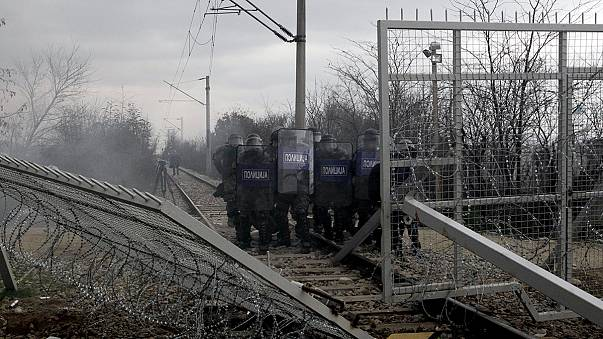 Angela Merkel pede que a Europa receba mais refugiados