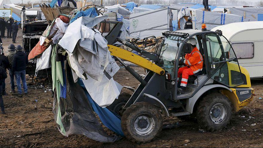 Paris pourrait accélérer le démantèlement d'une partie de la jungle de Calais pour éviter une aggravation des tensions