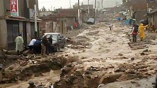 Chuvas torrenciais deixam milhares sem casa no Peru