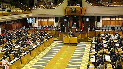 L'opposition maintient la pression sur Jacob Zuma
