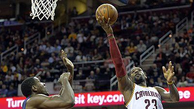 NBA: LeBron James trascina i Cavs contro i Pacers