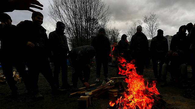 Aid agencies slam French destruction of Calais migrant camp