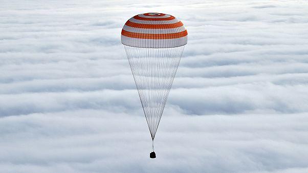 Nach 340 Tagen: Langzeitraumfahrer Kelly und Kornijenko wieder auf der Erde