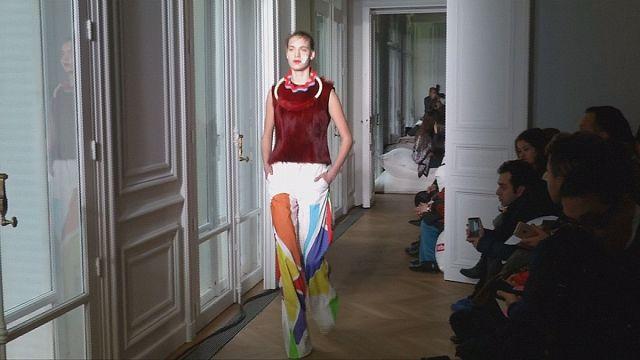 Мода: работы Ники де Сен-Фаль вдохновили Лизлор Фроужин