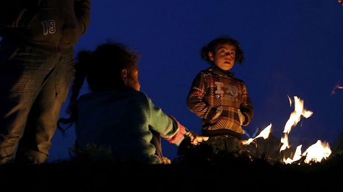 Yunanistan'da sıkışıp kalan mülteciler yardım bekliyor