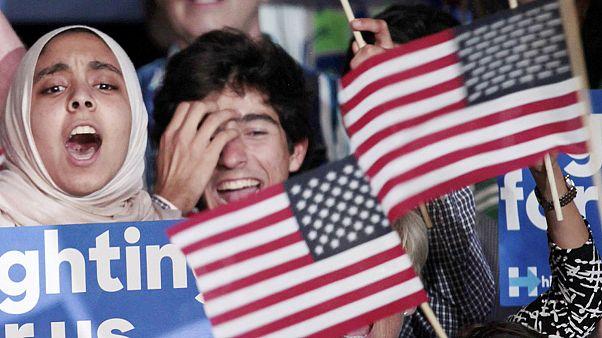 ΗΠΑ: Ανεβάζουν τους τόνους οι υποψήφιοι Ρεπουμπλικανών και Δημοκρατικών