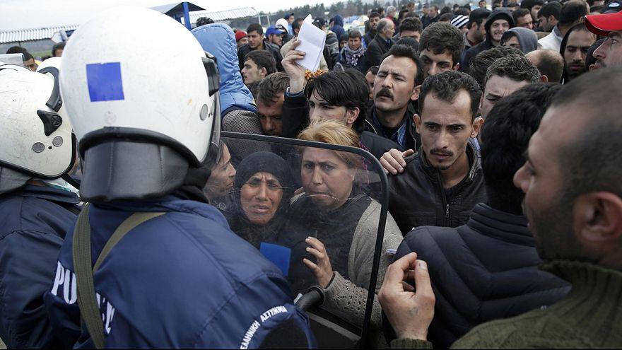 Беженцев не пускают из Греции в Македонию