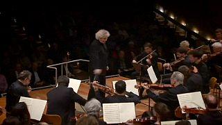 Berlin'de mültecilere özel konser
