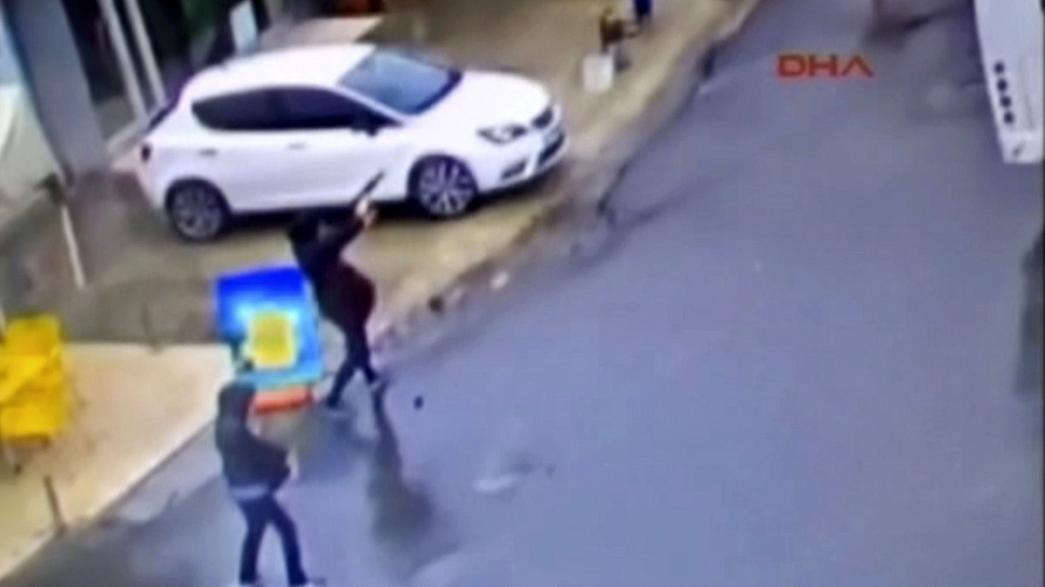 Turkish police shoot dead two female militants in Istanbul