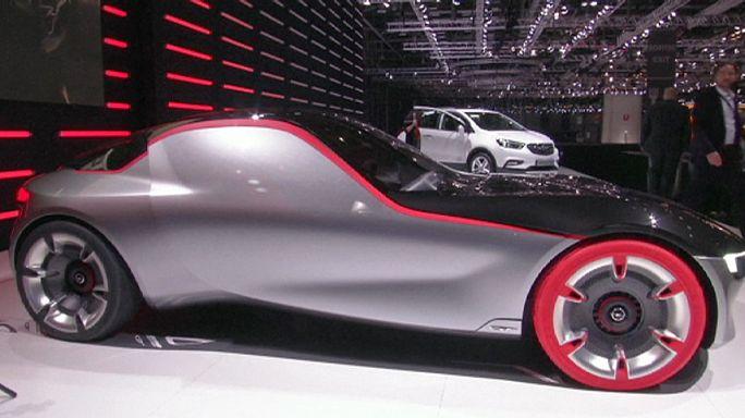 Bugatti Chiron - 2,4 millió euróba kerül a világ legdrágább autója