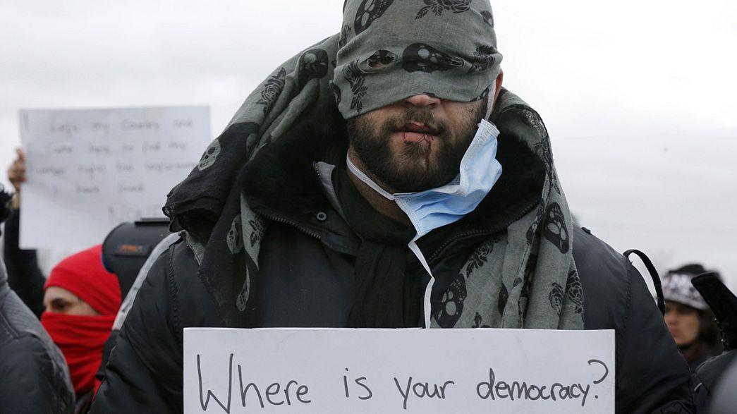 اعتراضی تلخ و غم انگیز؛ ۹ ایرانی لبهای خود را دوختند