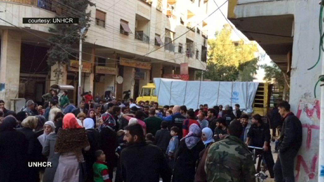 Syrie : distribution d'aide humanitaire dans la périphérie de Damas