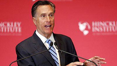 """Romney trata de """"farsante"""" a Trump quien provoca nuevas tensiones en el Partido Republicano"""