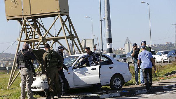 Soldados israelíes matan a una palestina que hirió a un soldado al embestir su coche contra un puesto de control