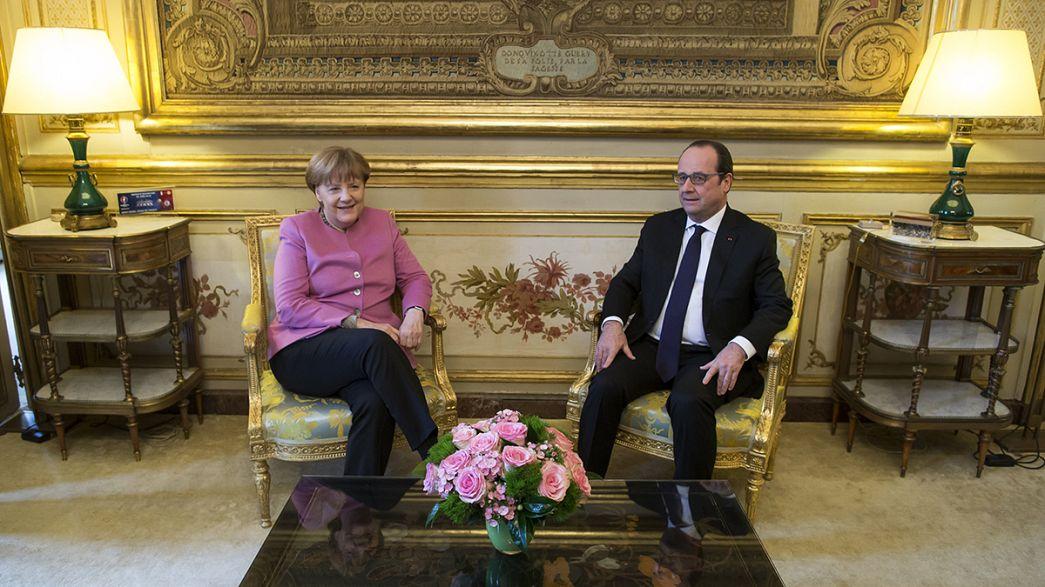 Hollande and Merkel stand together on migration ahead of EU-Turkey summit