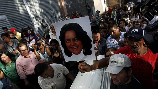 اعتراض دانشجویان به قتل فعال محیط زیست در هندوراس