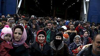 Προσφυγική κρίση: Σφίγγει ο κλοιός για την Ελλάδα- Με ανθρωπιστική βοήθεια απαντά η ΕΕ