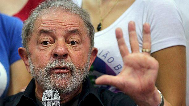 Corruption investigators question former Brazilian president Lula da Silva