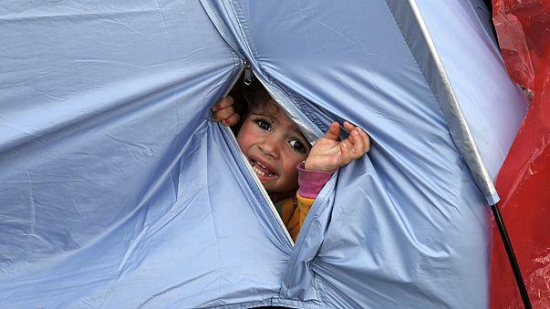 ظروف صحية سيئة يعاني منها اللاجئون على الحدود اليونانية المقدونية