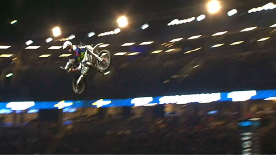 Night of the Jumps - spektakuläre Stunts bei der extremen Freestyle Motocross Serie