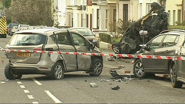 Ирландия: двое мужчин задержаны после рейда по городу на пожарной машине