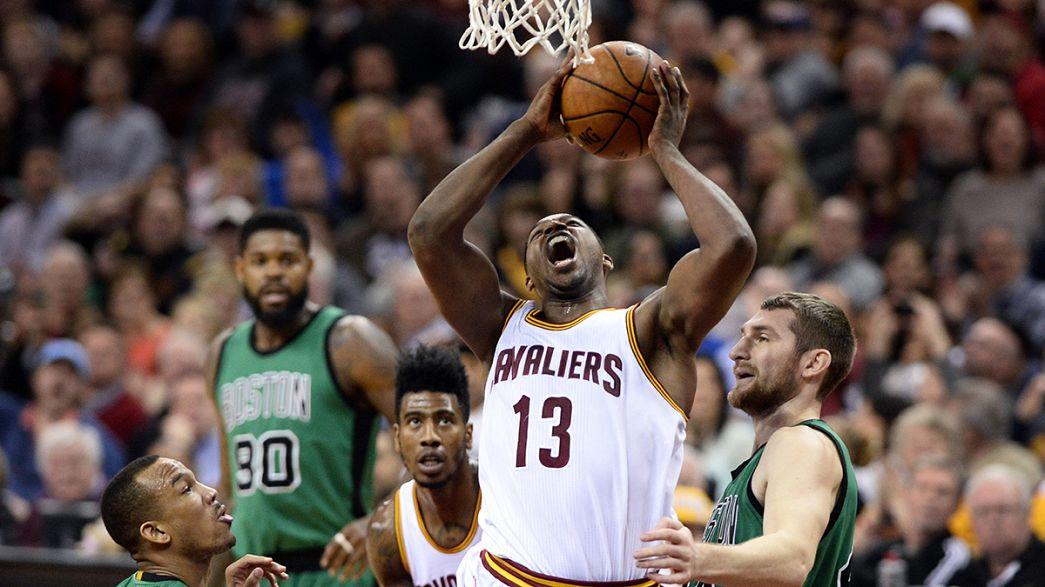Nova marca para LeBron James na vitória dos Cavaliers sobre os Celtics