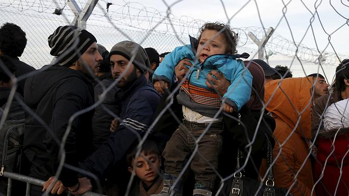 المهاجرون عالقون بمعبر ايدوميني في شمال اليونان