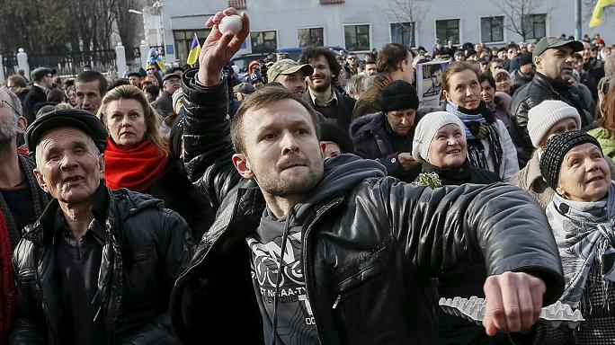 اعتداء على سفارة روسيا في كْيِيف خلال مظاهرات تضامنية مع الطيارة سَافْتشِينْكو