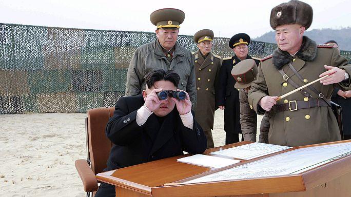 """""""Válogatás nélküli nukleáris támadásokkal"""" fenyeget Észak-Korea"""