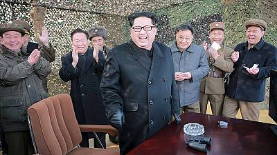 "Coreia do Norte ameaça com ""ofensiva total"""