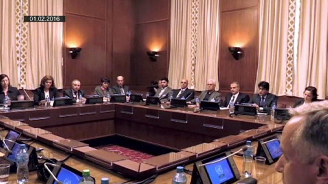 Síria: Oposição inclinada a participar nas negociações de paz