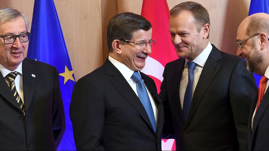 EU-Flüchtlingsgipfel: Davutoglu betont Wunsch nach EU-Mitgliedschaft