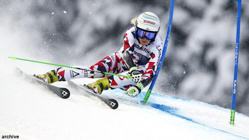 Eva-Maria Brem conquista slalom gigante de Jasna