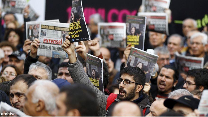 """Turquia: 'Zaman' já é """"pró-Erdogan"""", mas os caciques ainda não conseguiram aceder ao 'site'"""