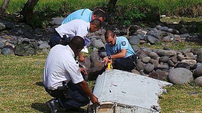 Mozambique : les débris présumés du vol MH370 en route pour la Malaisie