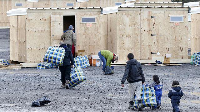 Ouverture du premier camp humanitaire de France à Grande-Synthe