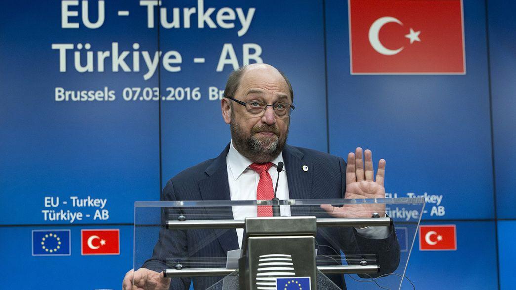 Turquía dobla el precio por contener a los refugiados