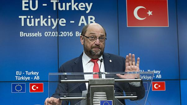 Turkey demands more cash and faster visa-free travel for migrant help