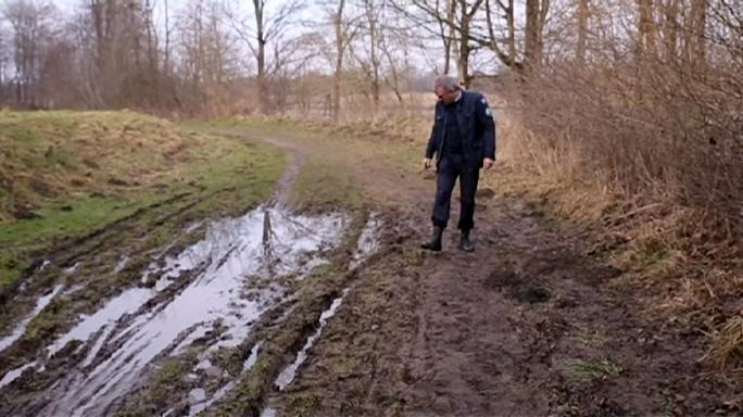Israel faces bill after Mossad agents get stuck in the mud!