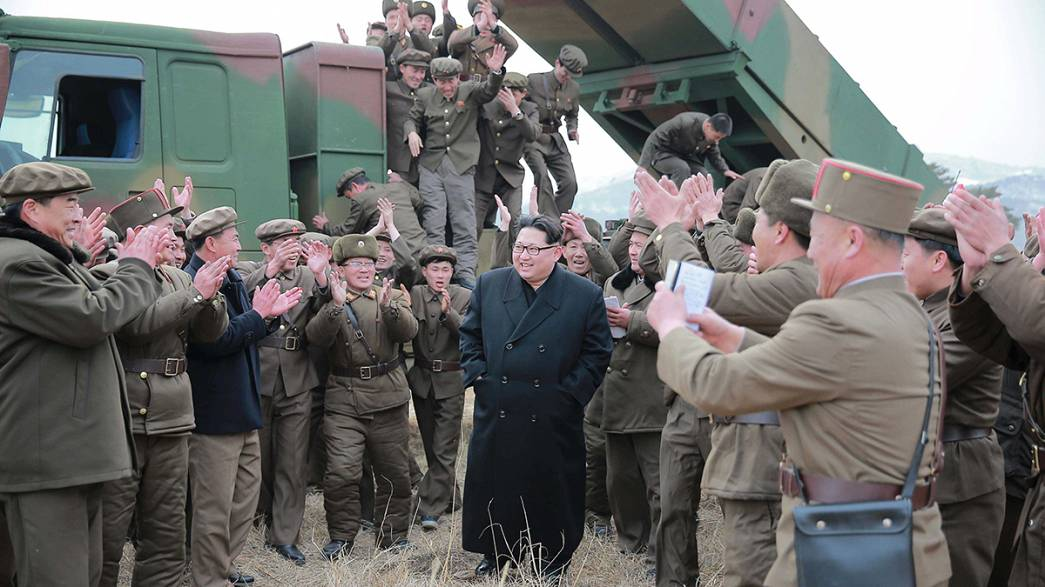 Coreia do Sul avança com sanções unilaterais contra o Norte