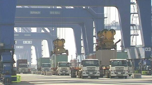 Exportações chinesas afundam em fevereiro