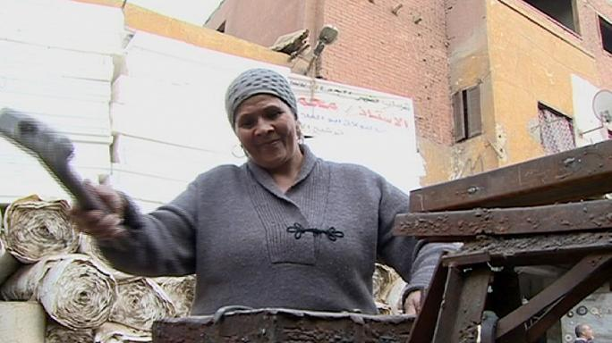 """Lavori """"da uomini"""": così le donne arabe spezzano i tabù al Cairo"""