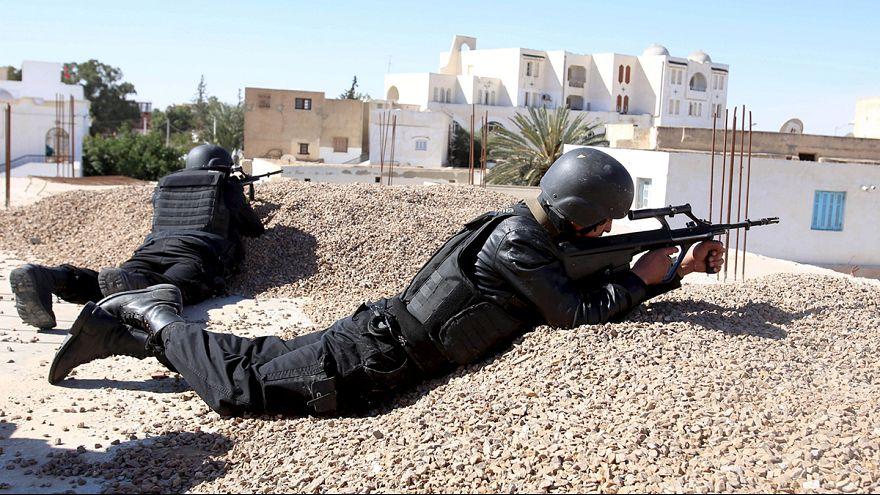 Тунис: в районе Бен-Гердана продолжается контртеррористическая операция