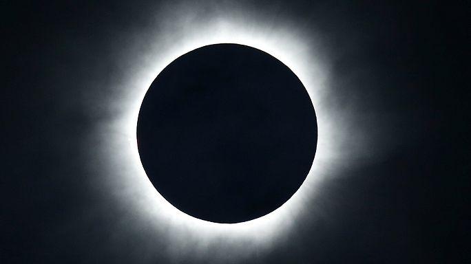 Teljes napfogyatkozás volt Indonéziában