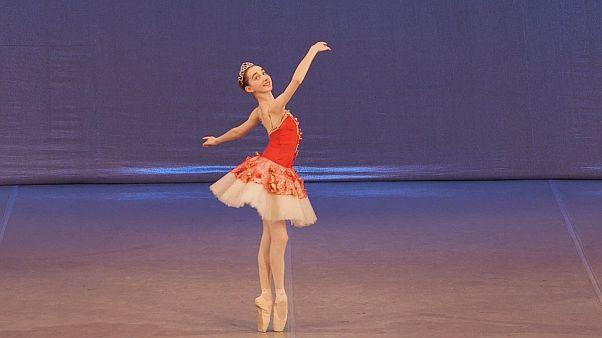 El sueño de una joven bailarina en el Teatro Bolshói