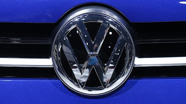 VW under mounting legal pressure over emissions scandal