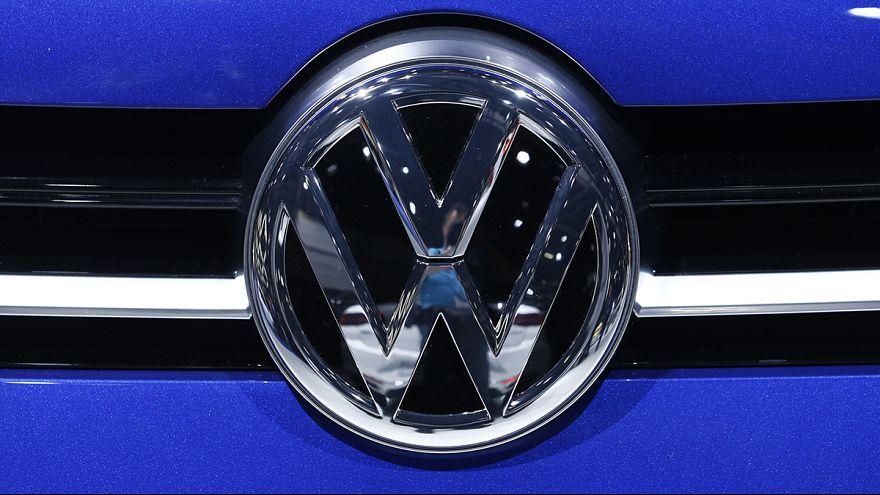 VW under mounting legal pressure over emissions scandal