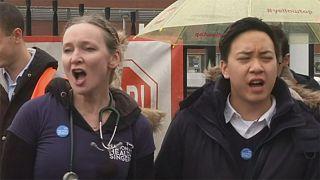 Jovens médicos britânicos estão afinados