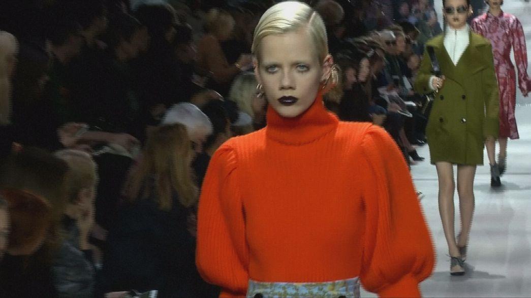 Los accesorios de Dior brillan en la pasarela de París